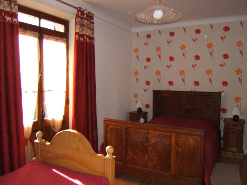 Descriptif de la location rosiers situe saint frreol lac for Chambre commerce haute savoie